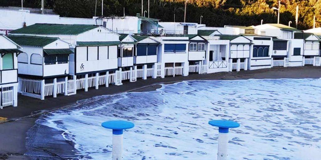 la playa de les casetes del garraf inundada por el cambio climático